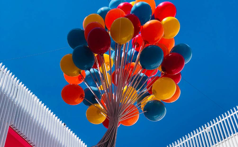 Balloons that fly away
